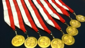 The Florida Governor's Veterans Service Medal has the state seal on the front and the seals of each of the five military service branches on the back.